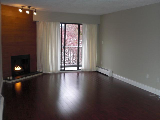 Photo 5: # 306 2299 E 30TH AV in : Victoria VE Condo for sale : MLS(r) # V821226