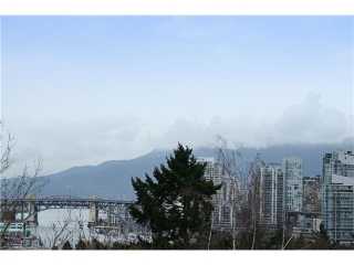"Main Photo: 6 850 W 8TH Avenue in Vancouver: Fairview VW Townhouse for sale in ""KOI"" (Vancouver West)  : MLS(r) # V1008515"