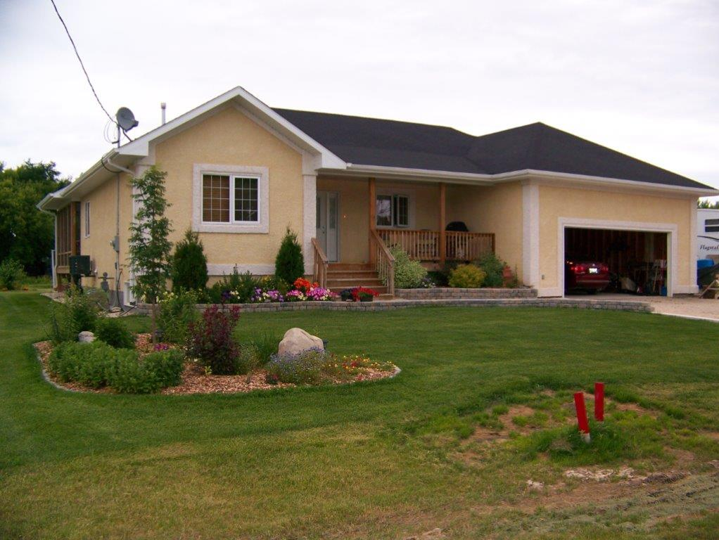 Main Photo: 55 Church Street in Tyndall: Single Family Detached for sale : MLS® # 1404723
