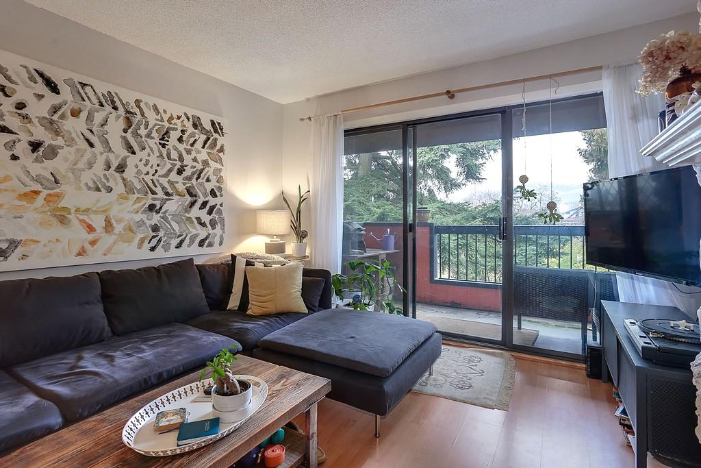 Photo 5: 303 1484 CHARLES STREET in Vancouver: Grandview VE Condo for sale (Vancouver East)  : MLS(r) # R2134024