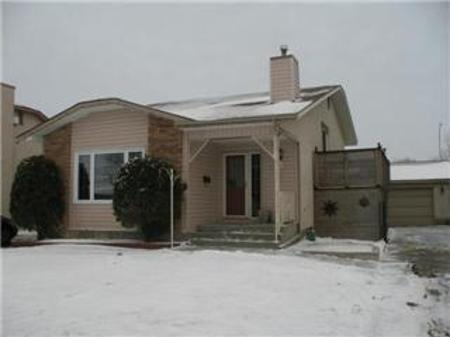 Main Photo: 111 Rosehill Way: Residential for sale (Meadows West)