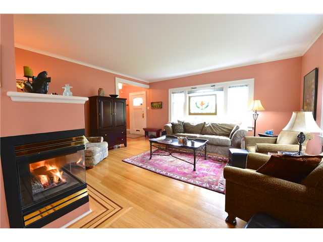 "Photo 9: 6612 BEECHWOOD Street in Vancouver: S.W. Marine House for sale in ""Kerrisdale"" (Vancouver West)  : MLS® # V1014628"