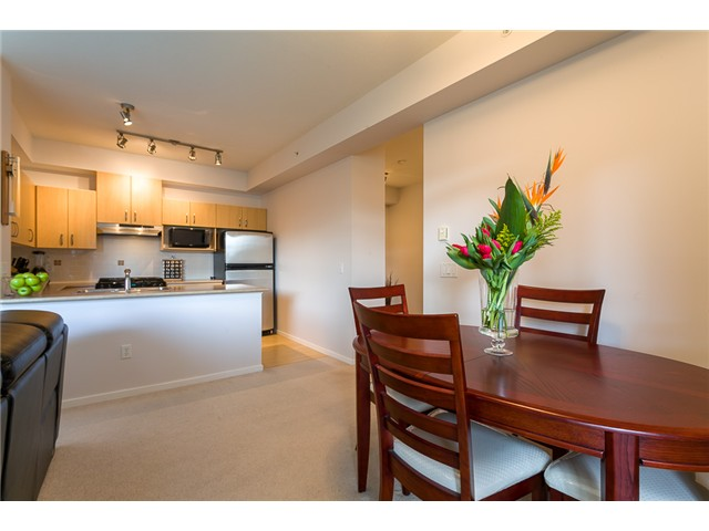 Main Photo: # 414 801 KLAHANIE DR in Port Moody: Port Moody Centre Condo for sale : MLS® # V1056611