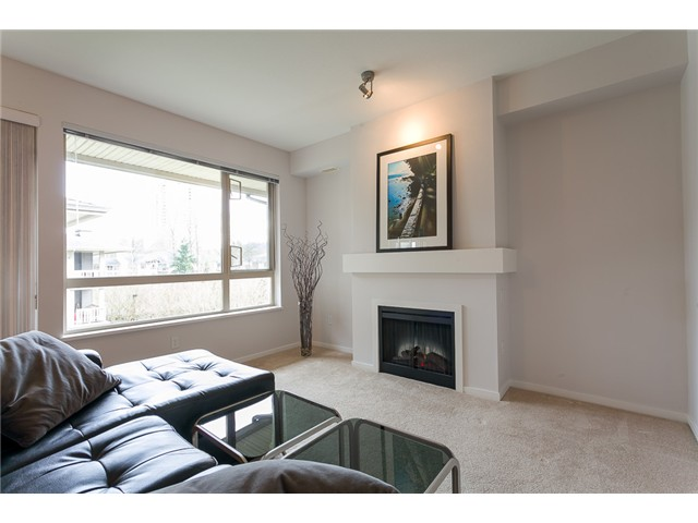 Photo 7: # 414 801 KLAHANIE DR in Port Moody: Port Moody Centre Condo for sale : MLS® # V1056611