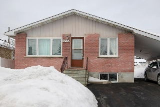 Main Photo: 1231 Kitchener Avenue in Ottawa: Freehold for sale : MLS(r) # 901642
