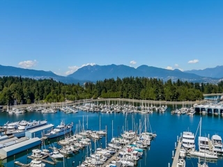 Main Photo: # 1302 1777 BAYSHORE DR in Vancouver: Coal Harbour Condo for sale (Vancouver West)  : MLS®# V1132029