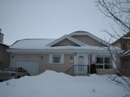 Main Photo: Gorgeous 3 BRr Bungalow in Popular Suburb!!!