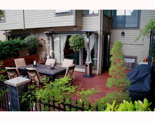 Photo 10: 5895 MAYVIEW CL in : Burnaby Lake Townhouse for sale : MLS(r) # V775022