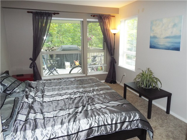 Photo 9: # 225 801 KLAHANIE DR in Port Moody: Port Moody Centre Condo for sale : MLS® # V1079034