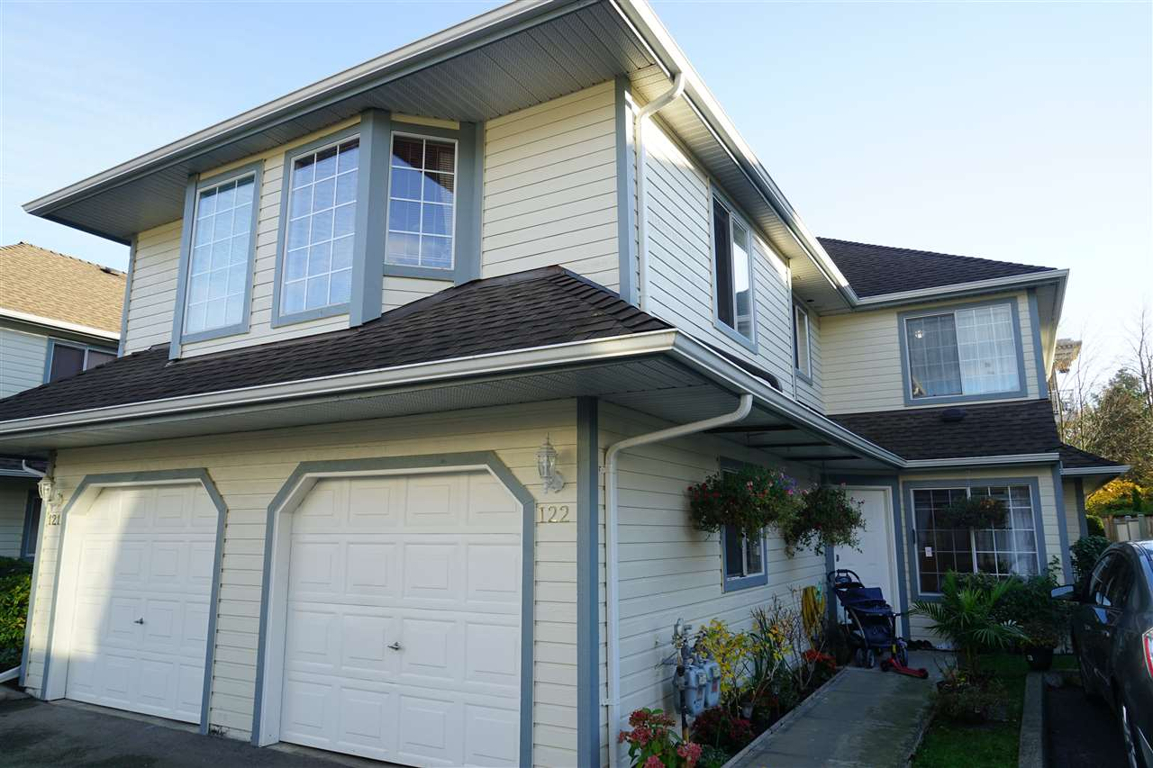 Main Photo: 122 9978 151 STREET in Surrey: Guildford Townhouse for sale (North Surrey)  : MLS®# R2122462