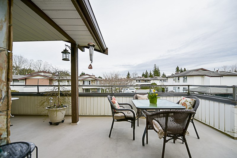 Photo 7: 222 15153 98 AVENUE in Surrey: Guildford Townhouse for sale (North Surrey)  : MLS® # R2148715