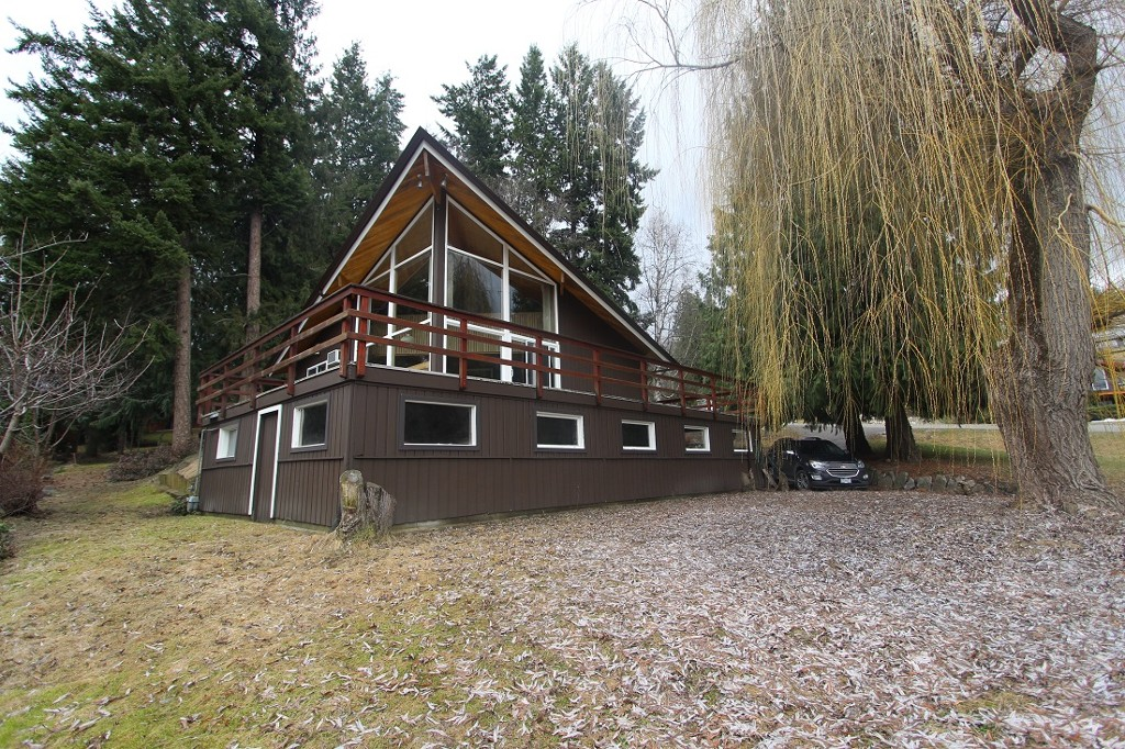 Main Photo: : Blind Bay House for sale (Shuswap)  : MLS® # 10132005