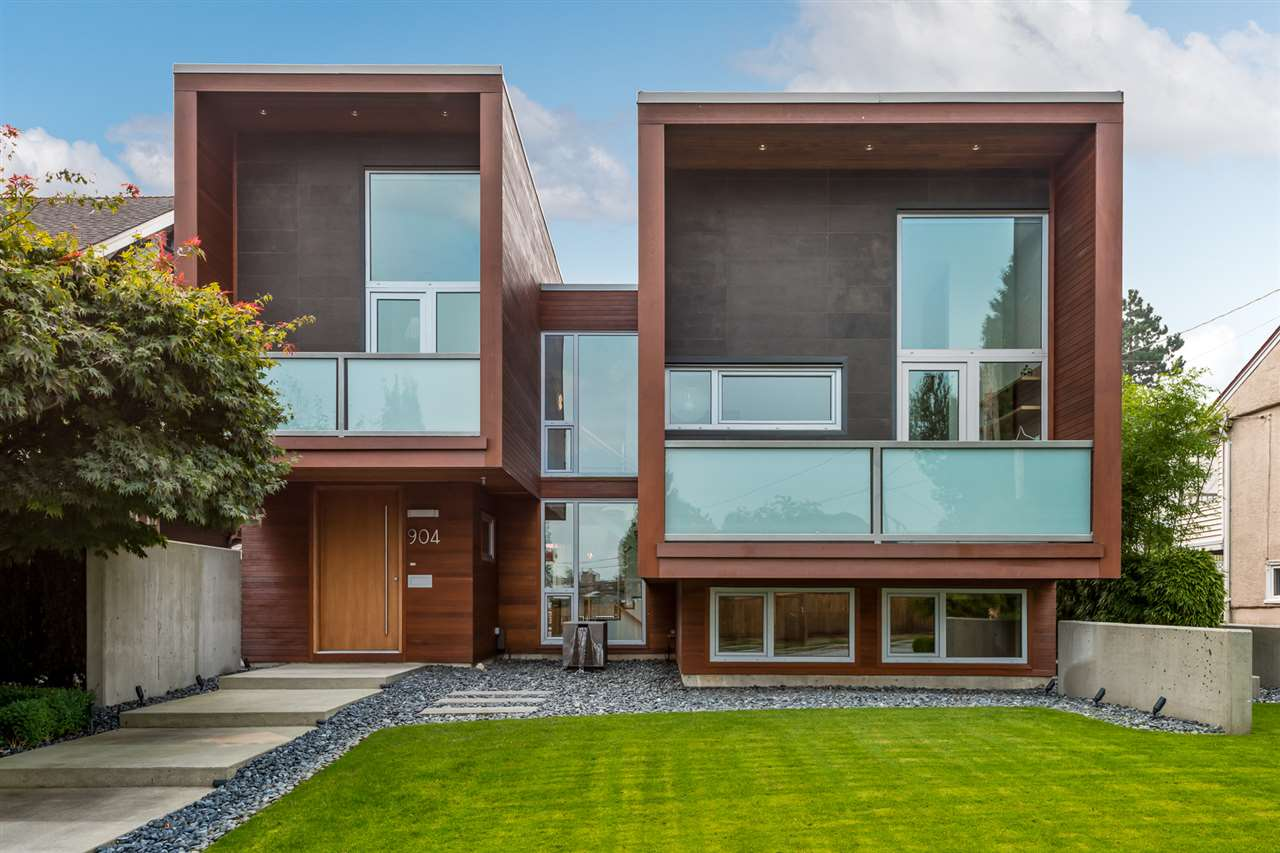 FEATURED LISTING: 904 CHILLIWACK Street New Westminster