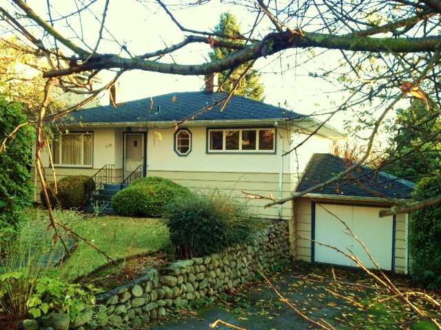 "Main Photo: 2130 KINGS Avenue in West Vancouver: Dundarave House for sale in ""DUNDARAVE"" : MLS® # V981892"