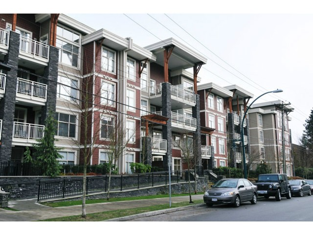 "Main Photo: 411 2477 KELLY Avenue in Port Coquitlam: Central Pt Coquitlam Condo for sale in ""SOUTH VERDE"" : MLS(r) # V1012157"