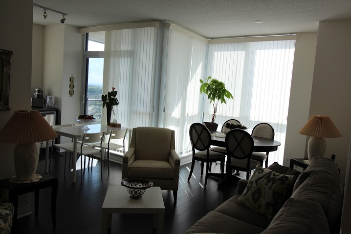 Photo 4: 2107 75 W Eglinton Avenue in Mississauga: Hurontario Condo for rent