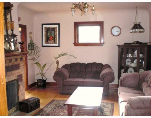 Photo 2: 1526 HAMILTON ST in : West End NW House for sale : MLS® # V794501
