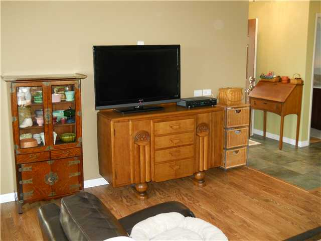 Photo 3: DEL CERRO House for sale : 3 bedrooms : 7048 Leicester Street in San Diego