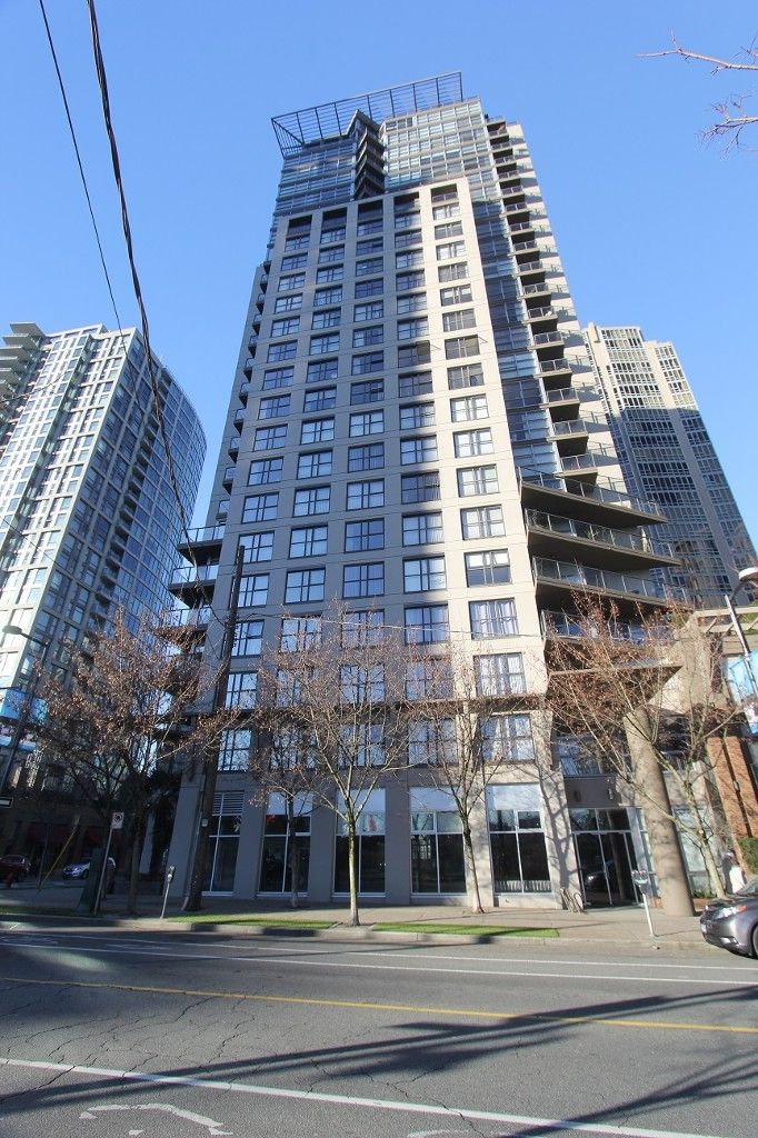 Main Photo: 302 989 Beatty Street in Vancouver: Yaletown Condo for sale (Vancouver West)  : MLS® # R2020413