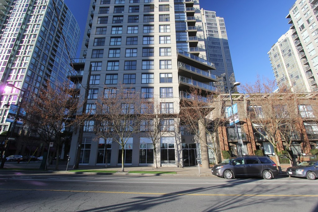 Photo 2: 302 989 Beatty Street in Vancouver: Yaletown Condo for sale (Vancouver West)  : MLS(r) # R2020413