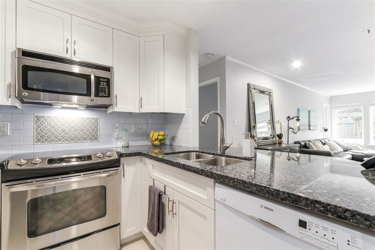 Photo 6: 105 965 W 15TH AVENUE in Vancouver: Fairview VW Condo for sale (Vancouver West)  : MLS(r) # R2142454