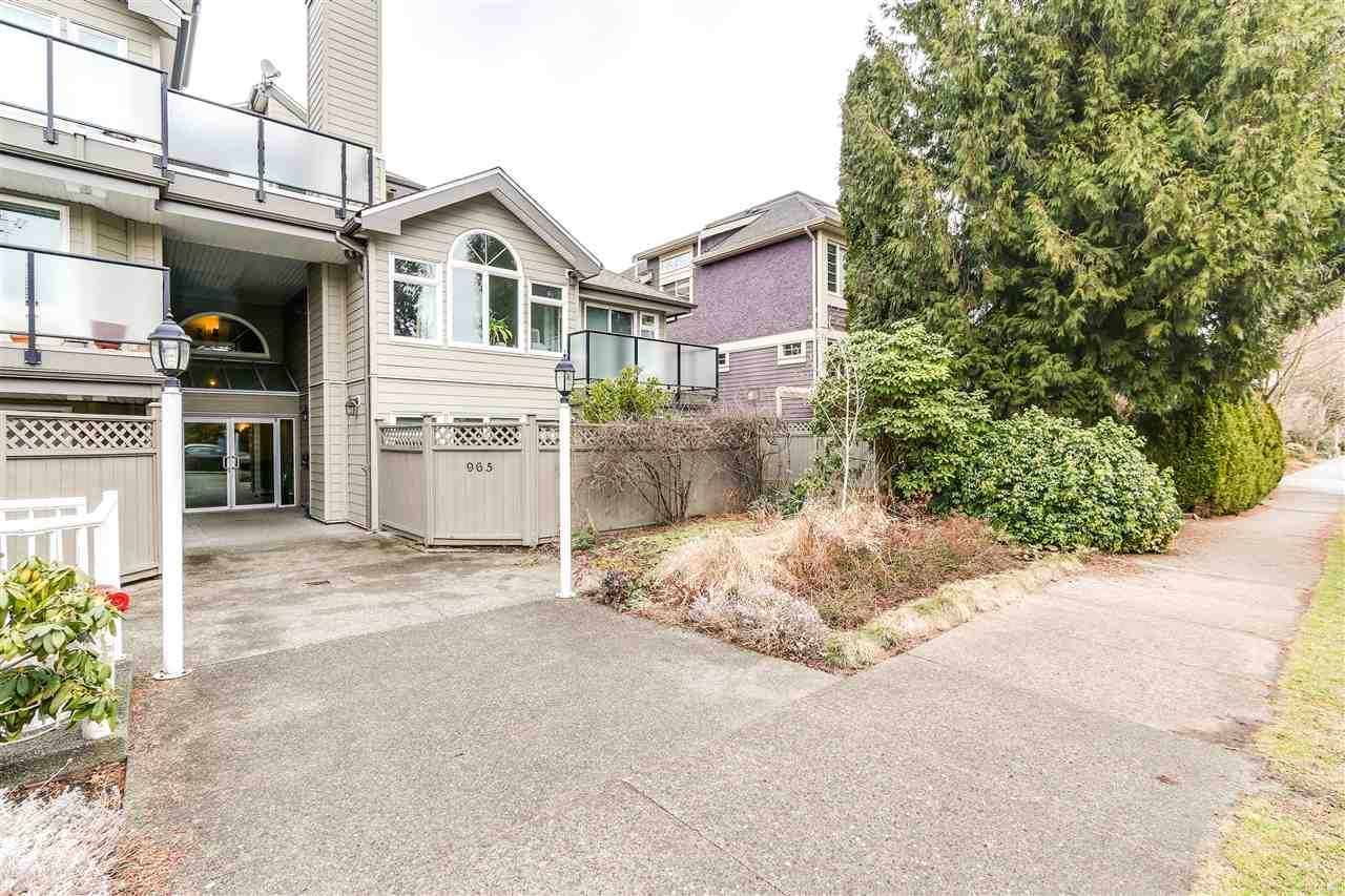 Photo 14: 105 965 W 15TH AVENUE in Vancouver: Fairview VW Condo for sale (Vancouver West)  : MLS(r) # R2142454