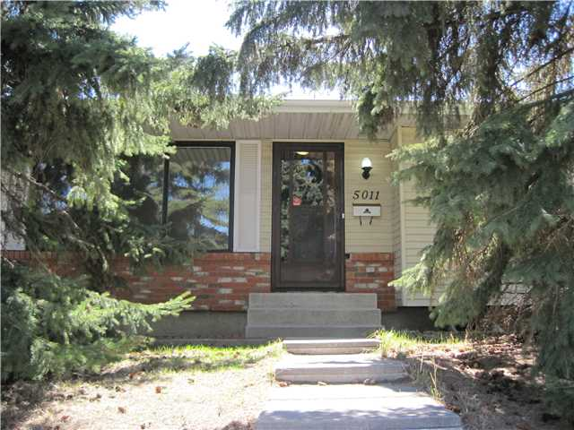 Main Photo: 5011 RUNDLEHORN Drive NE in CALGARY: Rundle Residential Detached Single Family for sale (Calgary)  : MLS® # C3566931