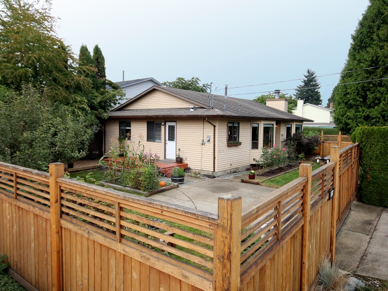 Photo 1: 9223 210TH ST in Langley: Walnut Grove House for sale : MLS(r) # F1320632