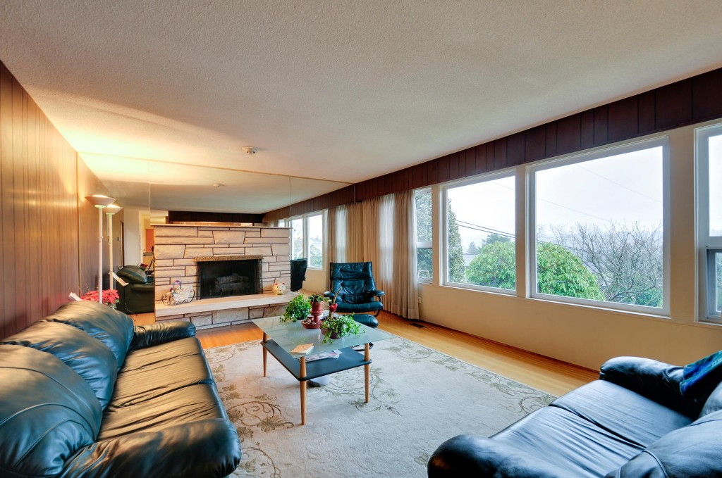 Photo 2: 5545 MORELAND DRIVE in Burnaby: Deer Lake Place House for sale (Burnaby South)  : MLS® # R2035415