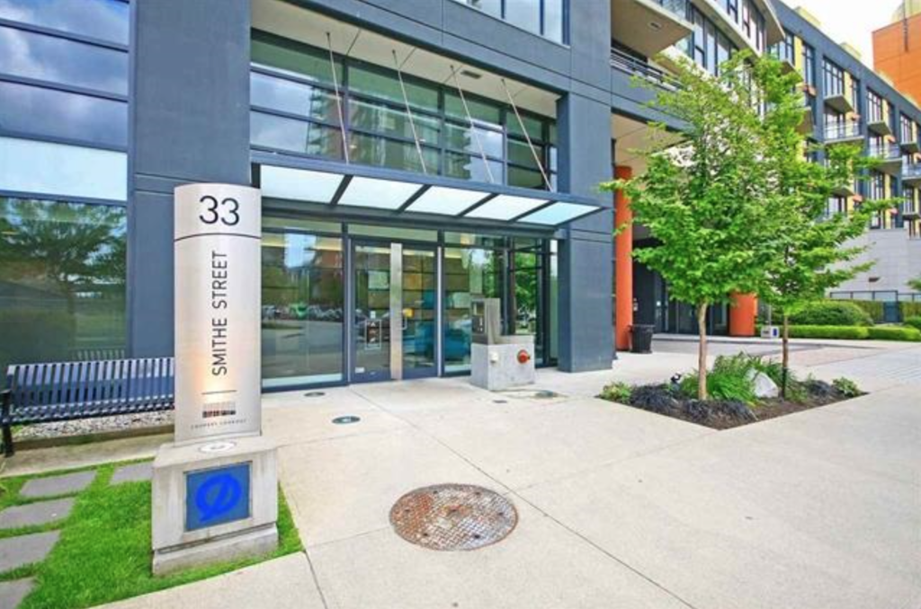 Main Photo: 801 33 Smithe Street in Vancouver: Yaletown Condo for sale (Vancouver West)  : MLS®# R2158376