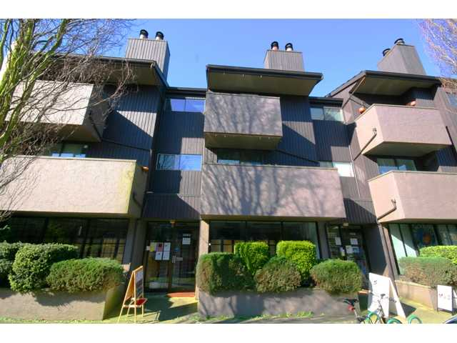 "Main Photo: 105 3255 HEATHER Street in Vancouver: Cambie Condo for sale in ""ALTA VISTA COURT"" (Vancouver West)  : MLS® # V935832"