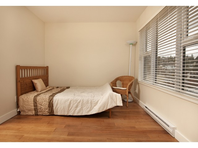 "Photo 8: 709 415 E COLUMBIA Street in New Westminster: Sapperton Condo for sale in ""SAN MARINO"" : MLS(r) # V939691"