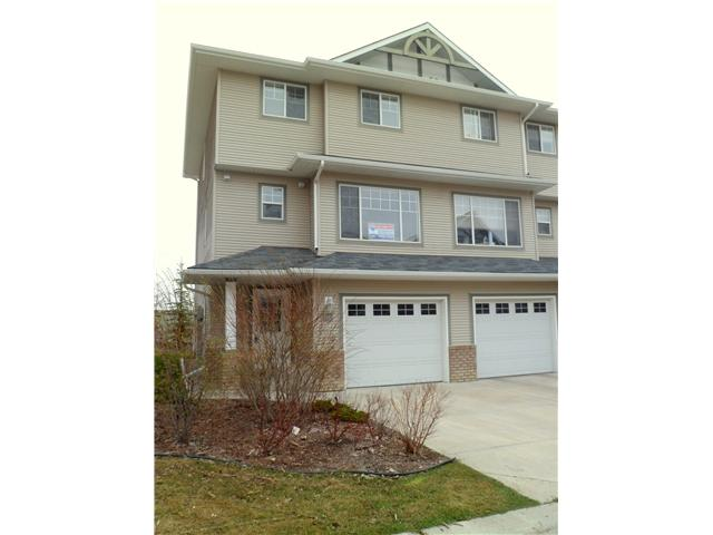 Main Photo: 86 CRYSTAL SHORES Cove: Okotoks Townhouse for sale : MLS® # C3535834