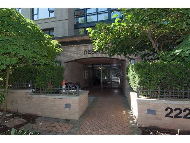 Main Photo: # 307 2226 W 12TH AV in Vancouver: Kitsilano Condo for sale (Vancouver West)  : MLS® # V1133034