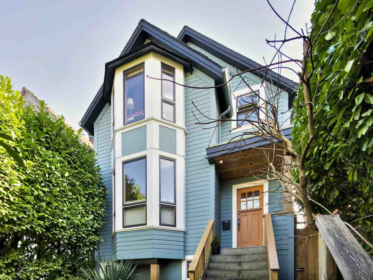Main Photo: 640 UNION STREET in Vancouver: Mount Pleasant VE House for sale (Vancouver East)  : MLS®# R2052774