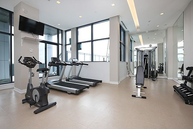 Photo 7: 75 The Donway W Unit #712 in Toronto: Banbury-Don Mills Condo for sale (Toronto C13)  : MLS® # C3483609