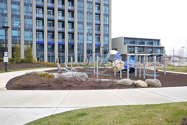 Photo 10: 75 The Donway W Unit #712 in Toronto: Banbury-Don Mills Condo for sale (Toronto C13)  : MLS® # C3483609