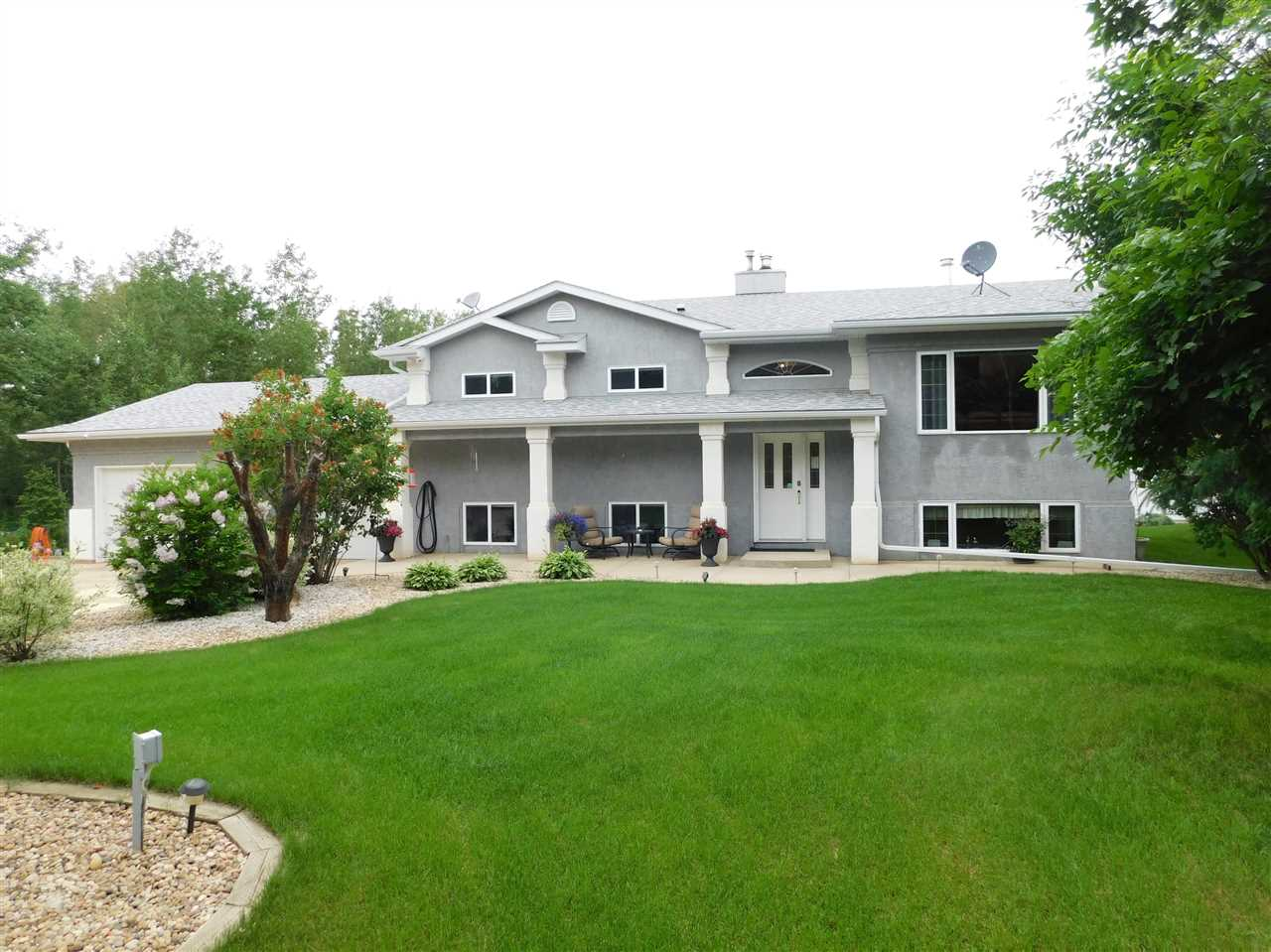 FEATURED LISTING: 56503 Rge Rd 231 Rural Sturgeon County