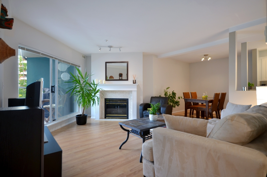 "Photo 3: 316 128 W 8TH Street in North Vancouver: Central Lonsdale Condo for sale in ""THE LIBRARY"" : MLS(r) # V958472"
