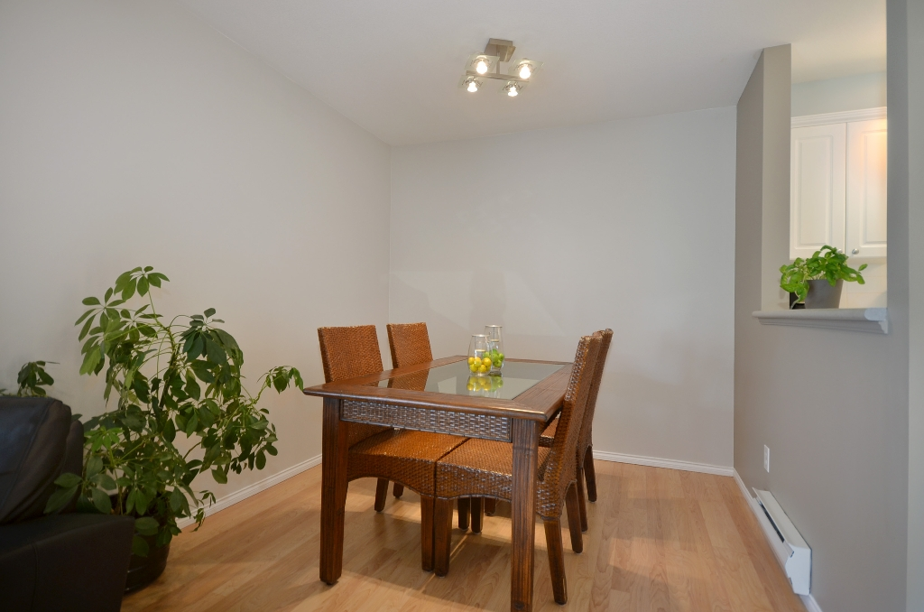 "Photo 5: 316 128 W 8TH Street in North Vancouver: Central Lonsdale Condo for sale in ""THE LIBRARY"" : MLS(r) # V958472"