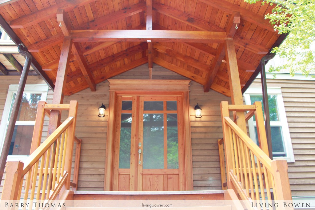Main Photo: 734 Grafton Road: Bowen Island House for sale : MLS®# V1063547