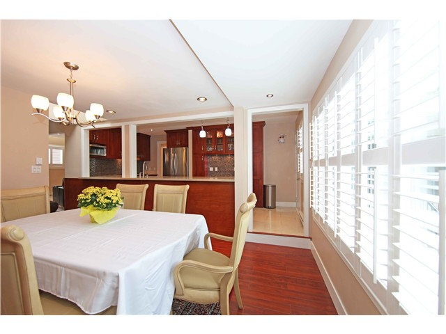 Photo 6: 5611 CLAUDE AV in Burnaby: Burnaby Lake House Duplex for sale (Burnaby South)  : MLS(r) # V1068608