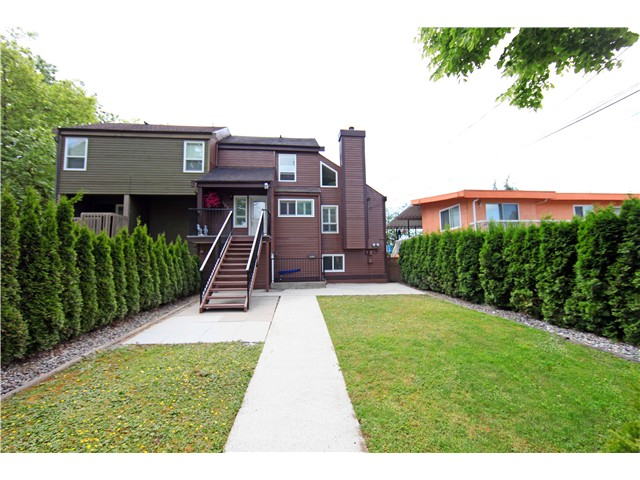 Photo 20: 5611 CLAUDE AV in Burnaby: Burnaby Lake House Duplex for sale (Burnaby South)  : MLS(r) # V1068608