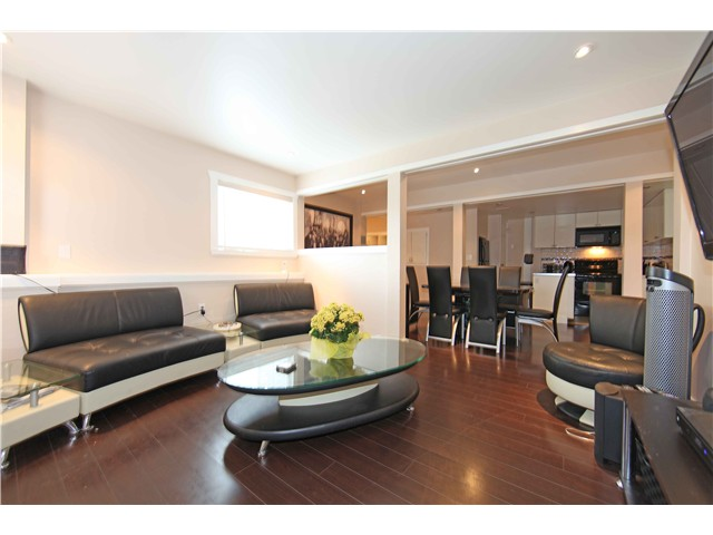 Photo 17: 5611 CLAUDE AV in Burnaby: Burnaby Lake House Duplex for sale (Burnaby South)  : MLS(r) # V1068608