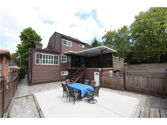 Photo 19: 5611 CLAUDE AV in Burnaby: Burnaby Lake House Duplex for sale (Burnaby South)  : MLS(r) # V1068608