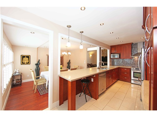 Photo 7: 5611 CLAUDE AV in Burnaby: Burnaby Lake House Duplex for sale (Burnaby South)  : MLS(r) # V1068608