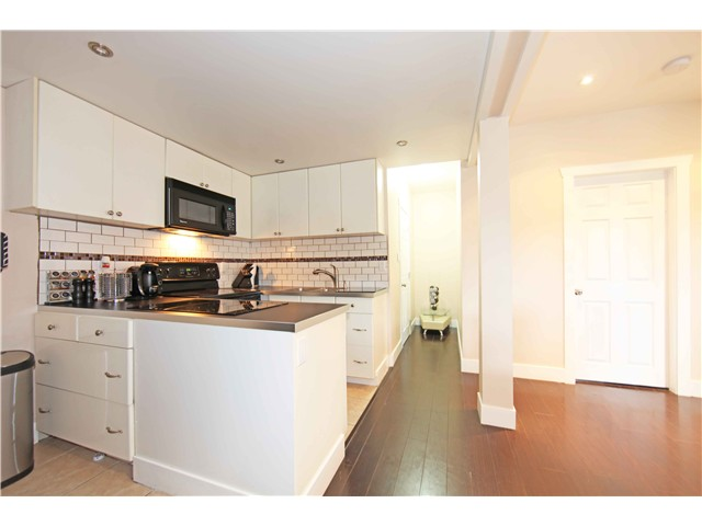 Photo 15: 5611 CLAUDE AV in Burnaby: Burnaby Lake House Duplex for sale (Burnaby South)  : MLS(r) # V1068608
