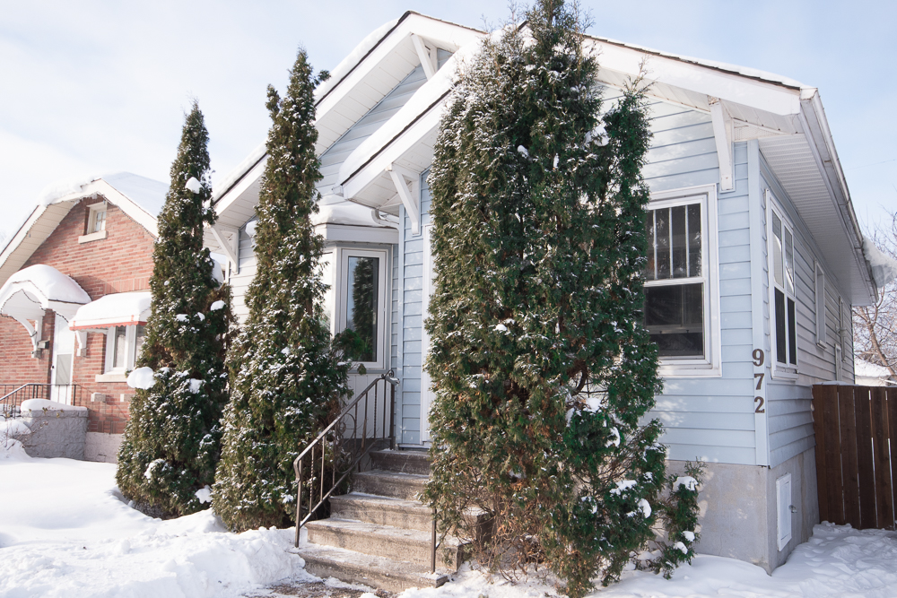 Main Photo: 972 Garfield Street in Winnipeg: Sargent Park Single Family Detached for sale (Winnipeg area)  : MLS® # 1600924