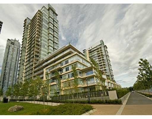 "Main Photo: 428 BEACH Crescent in Vancouver: False Creek North Condo for sale in ""KINGS LANDING"" (Vancouver West)  : MLS®# V626269"