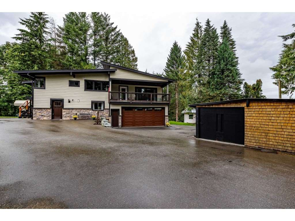 FEATURED LISTING: 1645 KING Crescent Abbotsford
